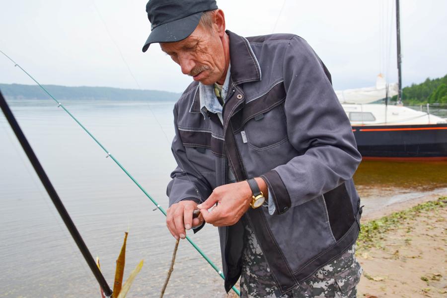 желают рыбакам